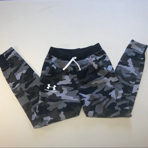 NWT UNDER ARMOUR BOYS RED CAMO camouflage SWEATPANTS JOGGERS